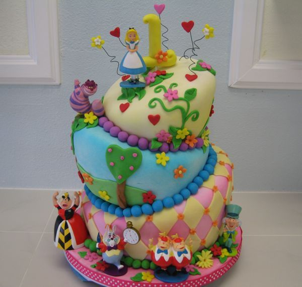 I want this cake for my birthday!: Gluten Free Sweet, 1St Bday, Bakeries, Alice In Wonderland, Dairy Free, Alice Cakes, Aliceinwonderland, Wonderland Cakes, Birthday Cakes