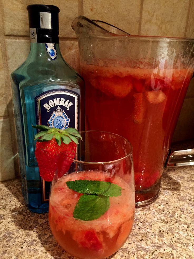 Bombay Sapphire East Strawberry Gin Smash Big Girl