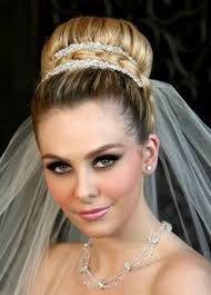 rsultat de recherche dimages pour chignon strict mariage - Postiche Chignon Mariage