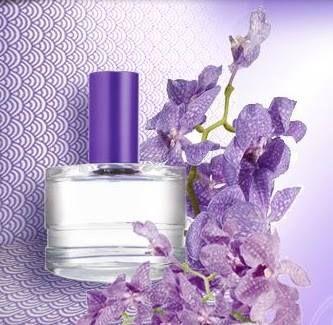 Simples e ao mesmo tempo sofisticada, essa deliciosa fragrância floral combina em um único toque, a cremosidade da baunilha com o romantismo das orquídeas roxas. https://www.facebook.com/EuAmoCuidarDeVoce