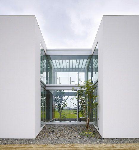 SUN_DRENCHED: House in Masaki by Hayato Komatsu Architects. 3/19/2012 via @Dezeen magazine
