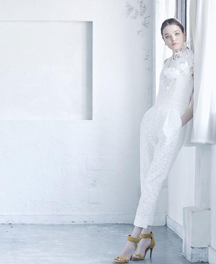 No. DBW-071 –オールインワンの総レースパンツドレス。新感覚のウェディングドレスで、自分だけのウェディングスタイルを。