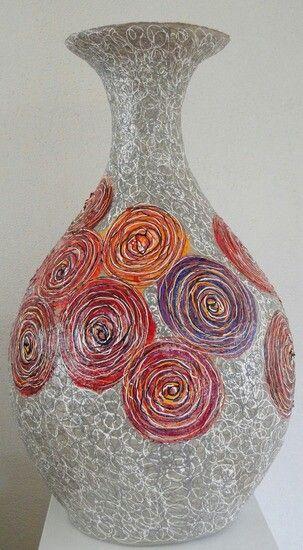 paper-mache vase  by Waldie van Wetten