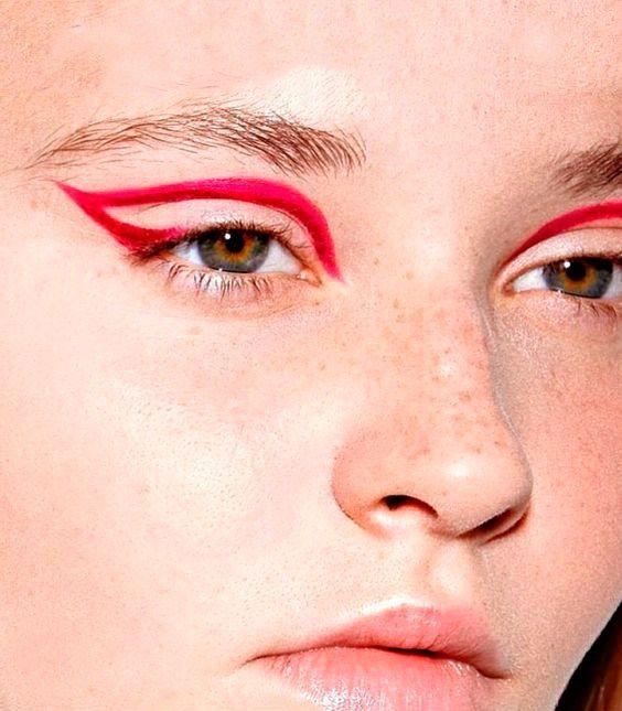 RED EYE-LINER, LA TENDENCIA DEL VERANO   Maple Magazine