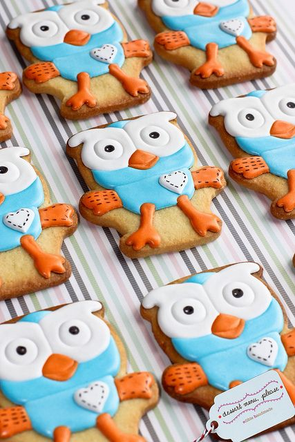 Giggle & Hoot cookies by Dessert Menu Please, via Flickr.