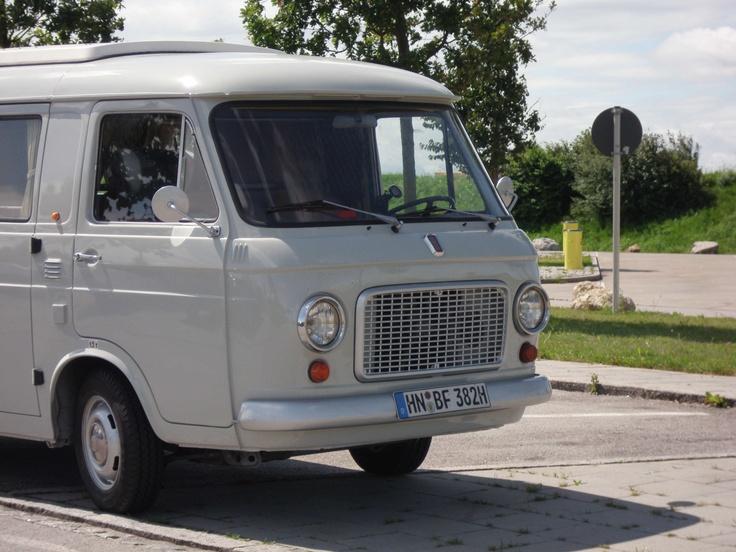 Fiat 238   via Duck    ▽ 50°  https://de.pinterest.com/masca974/old-van-pictures/