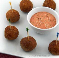 Bolitas de Kipes sin Carne, meatless bulgur balls at   Mari's Cakes, dominican food, comida dominicana.