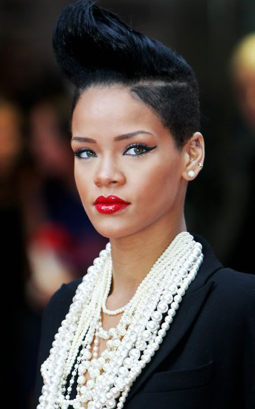 Amazing 1000 Images About Rihanna39S Short Hairstyles On Pinterest Short Hairstyles Gunalazisus