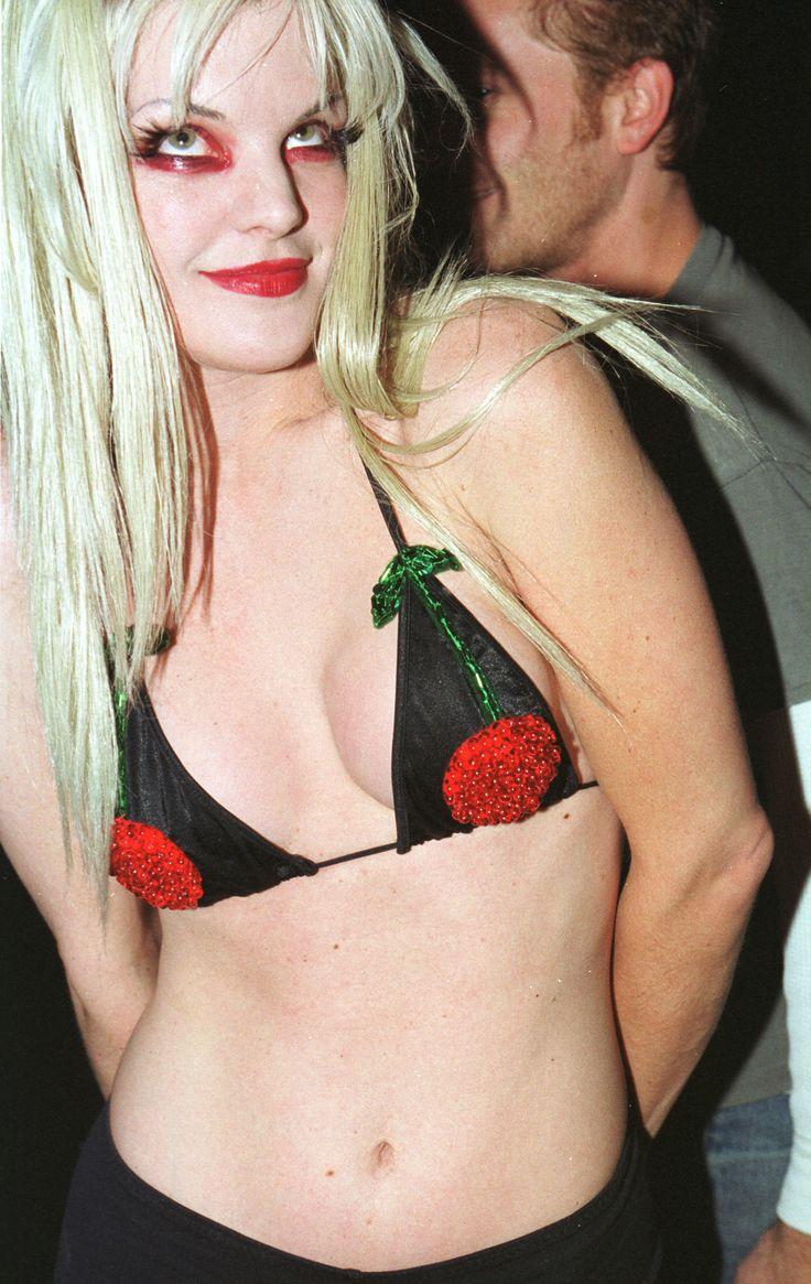 Angie harmon smoking car tuning - Pauley Perrette Ncis Bikinis