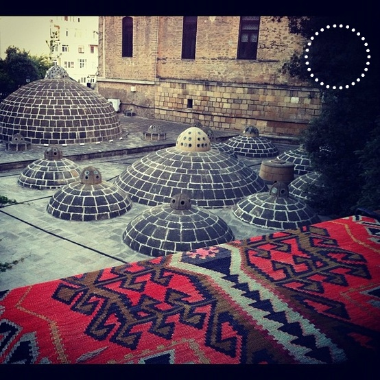 The famous Azerbaijani carpets  Les fameux tapis Azerbaidjanais