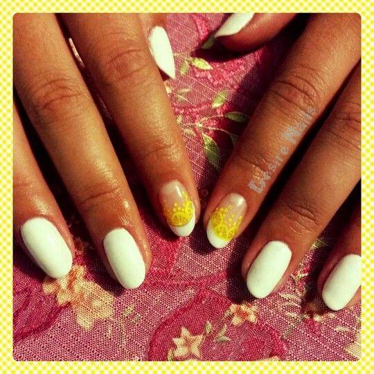 Lemonade nails