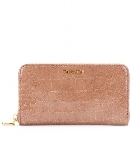 #MiuMiu CROC-EFFECT PATENT-LEATHER WALLET