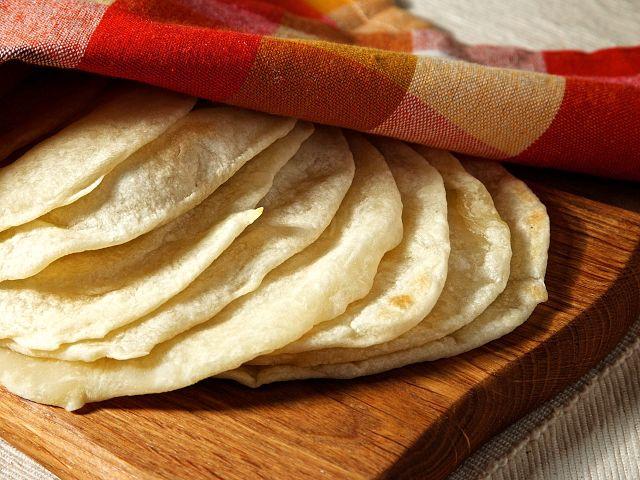 生地から作るふわふわトルティーヤ♡本場メキシコのレシピ - macaroni                                                                                                                                                                                 もっと見る