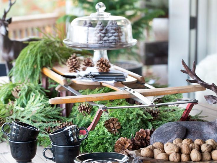 Dress your living room, dining room and outdoor space for the cold-weather seasons with these cozy, vintage decorating ideas from HGTV.com.