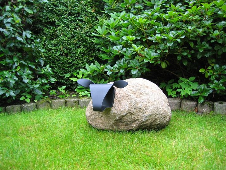 Sheep art - would love this for my garden!!