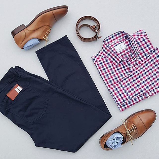 Friday flatlay Nordstrom and Pacific Issue match up today. #silverfoxstylegrid #WellStyledMan #sharpgrids ------------------------------------------------------- Shirt:@pacificissue Pants:@gap Shoes:@gordonrush Collins Socks:@calvinklein Belt:@boscaofficial Wallet:@aonnleather --------------------------------------------------------- Follow for more:@silverfox_collective