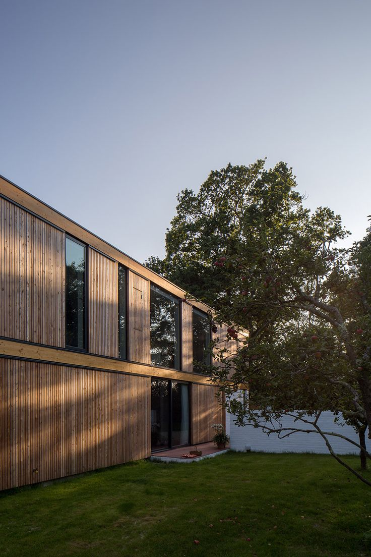 strom-architects-woodpeckers-house-new-forest-england-designboom-02