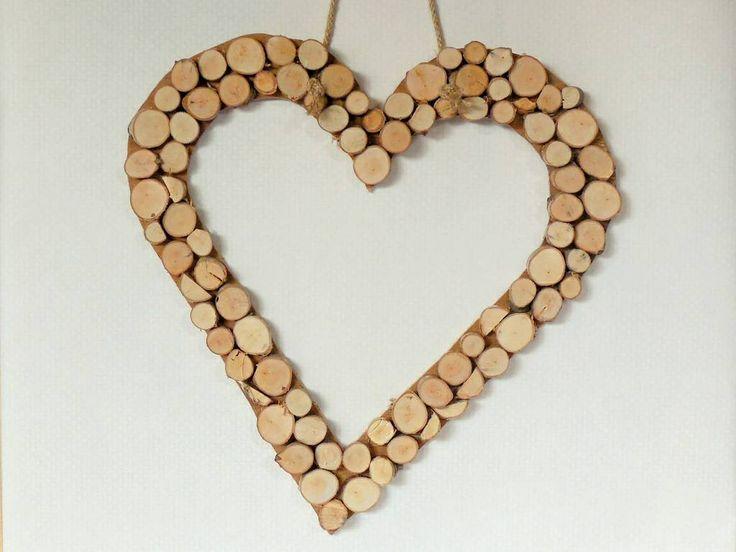 Houten hart -- leuk voor veranda of op de voordeur! www.by-vivo.nl