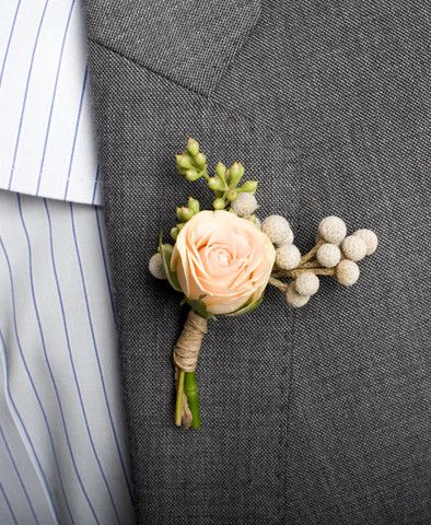 2h flowers Hudson Boutonniere Flower Wedding Accessory | Nearly Newlywed