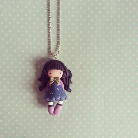 Collier  Petite fille au noeud vert