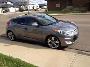Steal of a deal 2012 Hyundai Veloster with Teck Packag Hatchback Lethbridge Alberta image 1