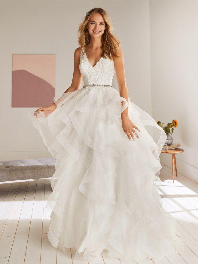 Brautkleider Trends 2020 4 Styles Die Braute Jetzt Lieben Bescheidenes Hochzeitskleid Hochzeitskleid Tull Hochzeitskleid Ballkleid