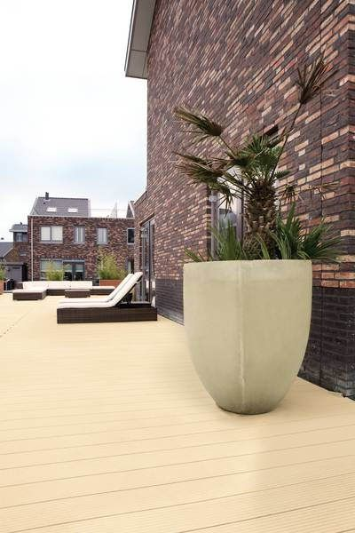 Private house in Hague, Netherlands with a terrace made from Sunny Beige UPM ProFi Deck