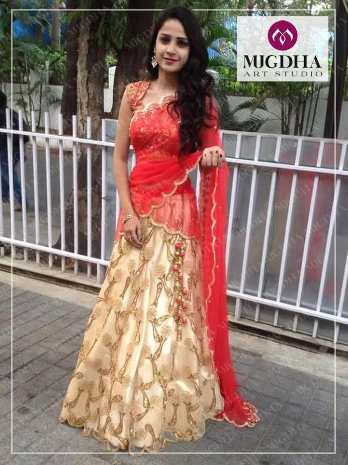 A Stunning Bridal Outfit from the house of Mugdha! Soon to be Brides  don t wait up for the last minute. Start Shopping Now!!Code- LHG228Contact Details:8142029190 / 9010906544Watsapp : 8142029190/ 9010906544Email-id:mugdha410@gmail.comInstagram:mugdhaArtStudio throwback  mugdhartstudio  bridallehenga sashivangapalli  07 December 2016