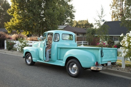 Turquoise truck