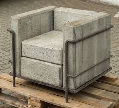 Le corbusier fauteuil LC2 1927 Repris par stefan Zwiky ( grand confort sans confort )Hommage à Corbu. Juste changer le matériau ( béton . En changeant un des paramètre, il en fait le contre projet