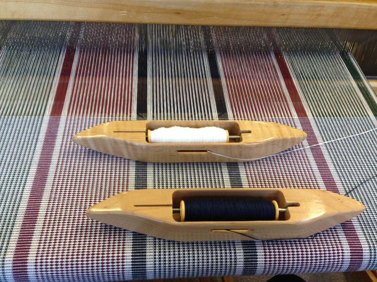 Linge à vaisselle monté en coton 2/16 et tissé en coton 2/16 mais avec 2 bobines qui s'alternent.