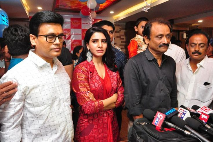 Samantha launches Bahaar Cafe at Punjagutta Photos - Chai SamoSa #Samanthahot #SamanthaNavel