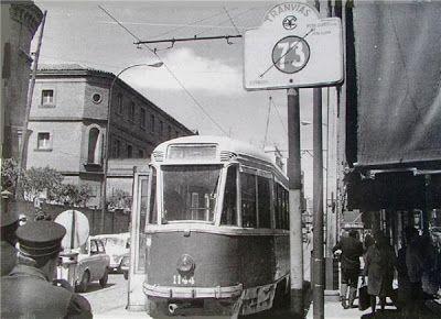 1965 - Nuevo inicio de la línea de tranvía que da servicio a La Paloma, en Francos Rodríguez esquina a Bravo Murillo. Foto Santos Yubero. Archivo Comunidad de Madrid