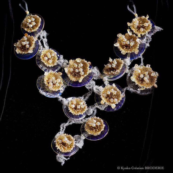 Collections des bijoux de Kyoko Création BRODERIE par Kyoko Sugiura.