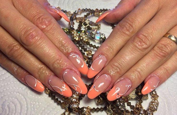 Ricostruzione unghie completa in acrilico.  Allungamento con cartina. Frech color pesca.   #nails #nail #unghie #donne #moda #bellezza #acrilico #gel #smalto #girls #girl #ricostruzione #love #fashion #foreveraganails
