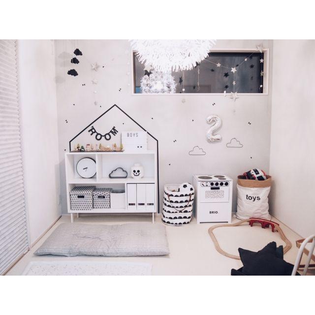chakiさんの、部屋全体,IKEA,子供部屋,ウォールステッカー,北欧,シンプル,白黒,雲,モノトーン,こども部屋,キッズスペース,BRIO,こどもスペース,レターバナー,小さなお家,遊び部屋,こどもと暮らす。,ライトボックス,ig☞chay_ttt,のお部屋写真