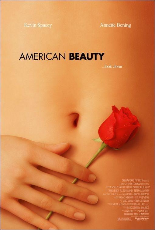 """""""American Beauty"""". Un buen acierto de las ganadoras del Oscar de la década pasada. http://www.cuevana.tv/#!/peliculas/1362/american-beauty"""