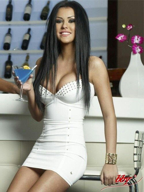 Dress && black long hair<3 Love it all!! Definitely something I would Rock!