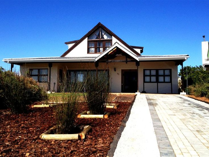 Stork Cottage - Stork Cottage is a large home situated in Grotto Bay along the West Coast. The house offers comfortable self-catering accommodation ideal for a family or group of friends.  It has five bedrooms and can ... #weekendgetaways #grottobay #southafrica
