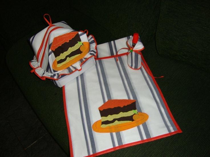 Porta pão com interior plastificado e porta assadeira de bolo  www.elo7.com.br/cacarecos