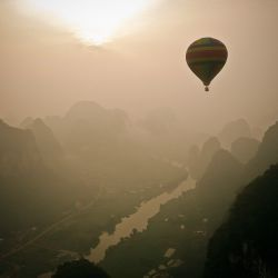 Yangshuo early morning by balloon (China)