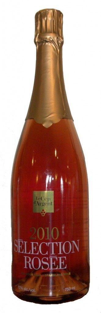 SÉLECTION ROSÉE Vin rosé de méthode traditionnelle, d'une couleur profonde, offre une grande vivacité et une belle fraîcheur en bouche. Son effervescence assez persistante se matérialise en un joli chapelet de bulles…un mousseux personnalisé au fruité soutenu! #champagne #pink #rose #bulles