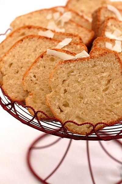 Coconut Cake with lemon