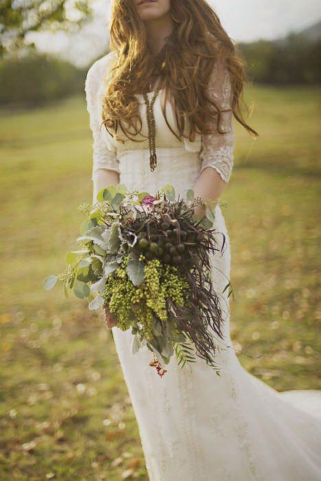 Boho inspired wedding dress perfect for a woodland wedding. Photo Source: Ruffled #bohoweddings #woodlandweddings #weddingflowers