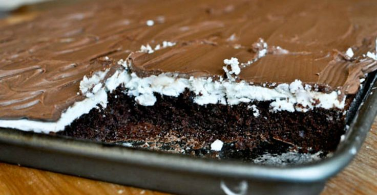 This Ho Ho Cake Has Nothing To Do With Santa Claus But Everything To Do With Yum! - Recipe Roost