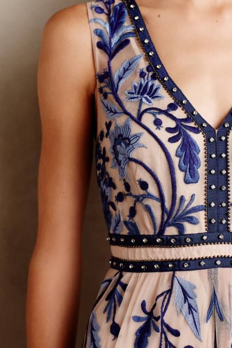 IN. LOVE. With this blue/white embroidered floral dress // Willowpark Maxi Dress by Moulinette Soeurs