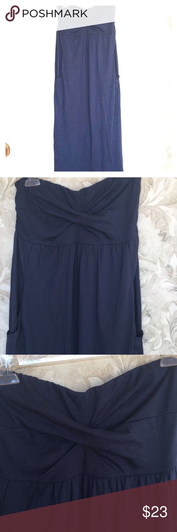 "Navy Strapless Maxi Dress Navy bandeau strapless / halter maxi dress from Garnet Hill. Brand new summer 2017 never worn. Front pockets. Padded built-in bra. Detachable halter strap. Cotton blend, machine wash. Empire waist. Size small - fits size 6-8. Approx 14"" across bust (has stretch); 50"" long from top to bottom hem. garnet hill Dresses Maxi"