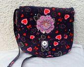 sac bandoulière de soirée tissu velours motifs coeur violet fait-main : Autres sacs par coralie-bellal