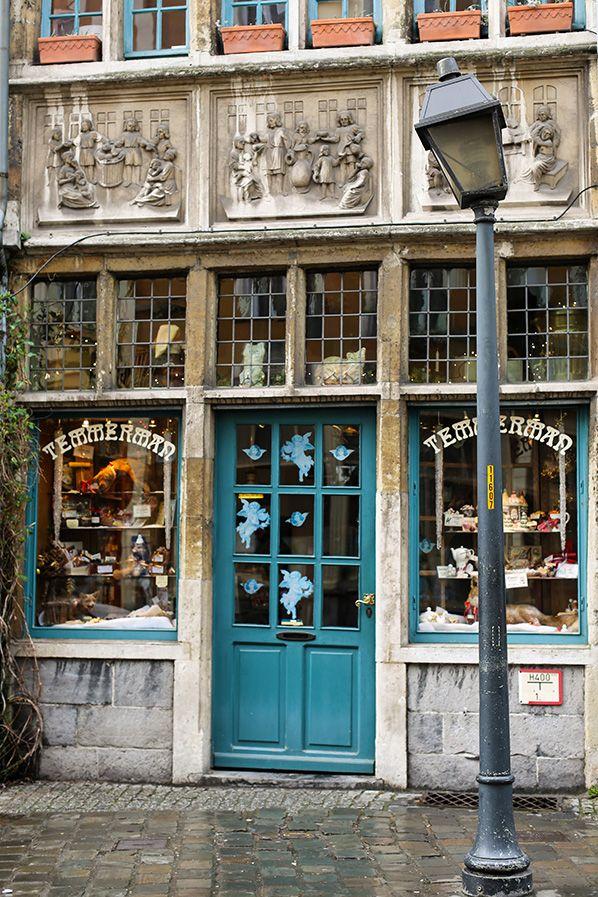 Ghent, Belgium - Carnets Parisiens                                                                                                                                                                                 Plus