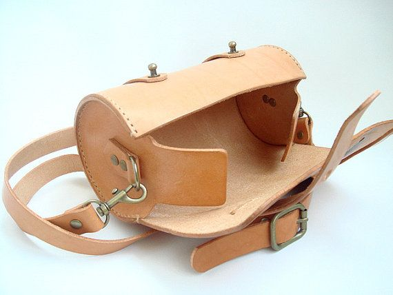 Handstitched cuero redondo bolsa Veg Natural por leathermind